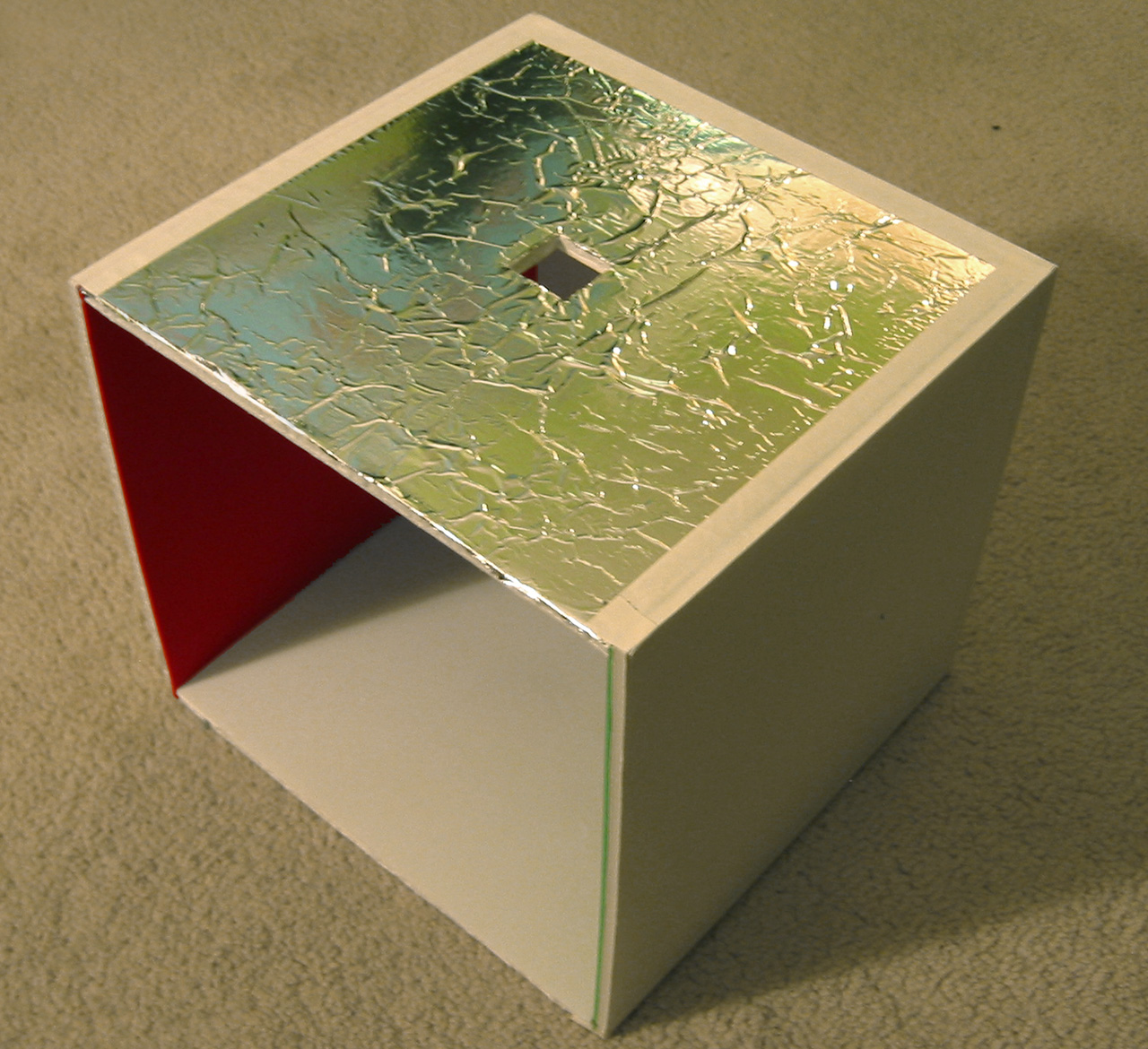 cornell_box_physical_model_image17